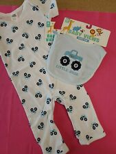 Bon Bebe Infant Boys 1-Piece Bodysuit W/Matching Bib W/Trucks Size 6-9 Mos.