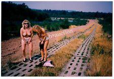 NACKT AN DER ZONENGRENZE / AKTFOTO * Vintage 90s DDR / GDR Photo #6