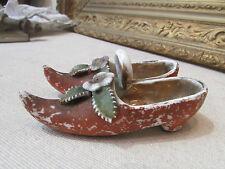ancienne paire de souliers sabots en porcelaine biscuit epoque 1900