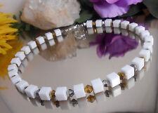 Zeitlos moderne Halskette aus Resin Würfel Weiss + Glas Rhomben gold silber