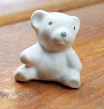 Mini Eisbär Figur Ton etwa 21 mm hoch