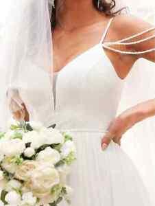 SIZE 8/10 WHITE BEADED STRAPS MESH INSERT A-LINE WEDDING/PROM DRESS