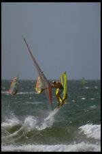 370007 Windsurfer volo Wave con altre tavole a vela dietro A4 FOTO STAMPA