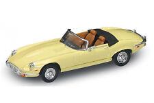 Cream 1971 Jaguar E-Type Convertible Lucky 1:43 Road Signature Diecast Car