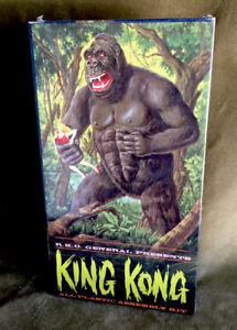 Vintage Orig. 1961 Aurora Universal Pictures King Kong Monster Model Box & Inst.