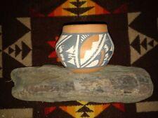 Old VTG. Native American - Jemez Indian - Buff Clay Pottery Pot - Signed -