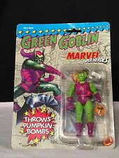 Marvel Super Heroes by Toy Biz THE GREEN GOBLIN Throws Pumpkin Bombs Sealed