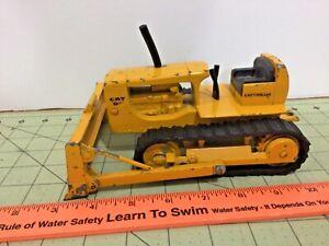 Vintage Cat D6 dozer by Ertl, Caterpillar bulldozer