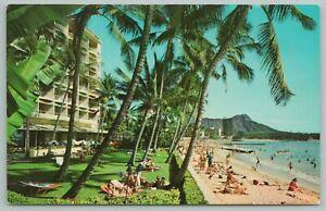Waikiki Hawaii~Surfrider Hotel~Beach~Vintage Postcard