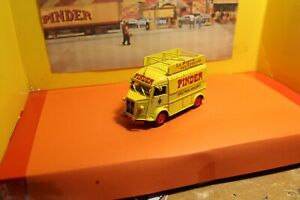 Citroen type h du service publicitaire du cirque PINDER 1/43