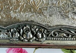 Antique metal box with wood inside in excellent vintage condition 15cmx9cm