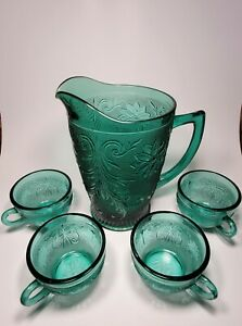 Vintage Tiara Glass Pitcher with Tiara Punch Glasses in great condition.