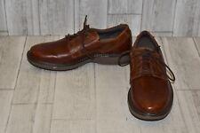 Clarks-Plain Toe Oxfords, Men's Size 9.5 M, Brown