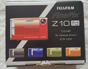Fujifilm FinePix Z Series Z10fd 7.2MP Digital Camera - Pink, Full BOX, charger
