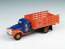 1/87 Classic Metal Works  1941-1946 Chevrolet Stake Truck - Gulf Oil