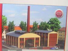 Fabrikgebäude m. Eisenbahnzufahrt und Schlot- Auhagen Spur N 1:160 - 14475   #E