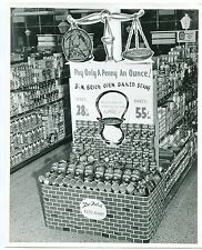 """Vintage Grocery Store Photo: """"B&M BAKED BEANS"""" Store Display"""