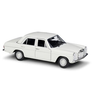 Welly 1:24 Mercedes Benz 220 White Diecast Model Car New in Box
