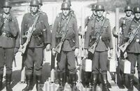 WW2 Photo German soldiers armed with the revolutionary Sturmgewehr StG-44 #273