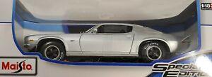 Maisto 1:18 1971 Chevrolet Camaro Diecast Special Edition