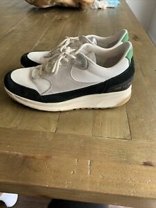 Common Projects Track Classic 42
