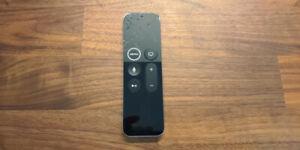 Télécommande Apple TV 4K / HD Siri Remote A1962 fonctionnelle mais à réparer