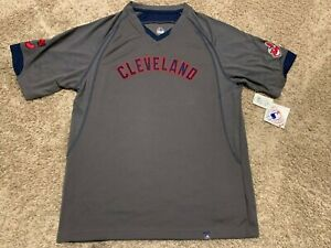 Majestic Cleveland Indians V-Neck T-Shirt Mens M MSRP$45 NWT D12