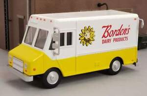 New in Box O Scale Diecast Nostalgic Borden's Dairy Delivery Step-Van