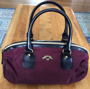 VICTORIA's SECRET Large Burgundy And Black Cosmetic Bag, Double Straps, NWOT!