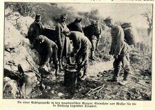 Deutsche Soldaten füllen Wasserkanister an Quelle in Mazedonien c.1917