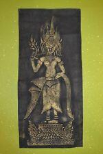 Tableau ancien en papier de riz repoussé or et noir Aspara Hindouisme Cambodge