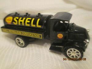 SHELL GAS OIL MACK TANKER BANK 1929 DIE CAST METAL 1:34 SCALE  ERTL 65 ANNIVERSA