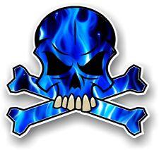Calavera Y Huesos Cruzados diseño y azul eléctrico llamas Horror Pegatina Calcomanía Coche Motif