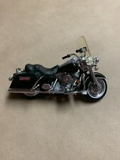 Maisto Dark Green Harley Davidson Classic Motorcycle 1:24 Scale