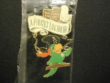 DISNEY WDCC PIRATES OF THE CARIBBEAN PARROT DANGLE PIN ON CARD SEALED IN PACKAGE
