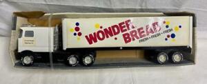 Nylint Wonder Bread Sound Machine Tractor Trailer Semi 9126-Z Interstate Brands