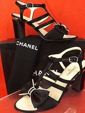 16P NIB CHANEL BLACK SATIN BOWS PEARLS METAL CC LOGO SANDALS PUMPS 38 $1125