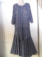 VINTAGE CAROLE LITTLE TWO PIECE TOP AND SKIRT OUTF~RAYON BLUE AND WHITE - SIZE 6