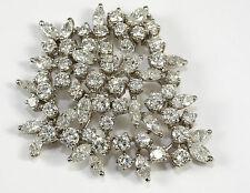 Antstecknadeln und Broochen mit Diamanten