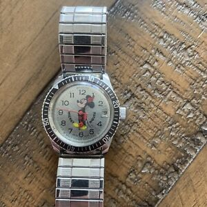 bradley mickey mouse mechanical watch diving diver walt disney winding vintage