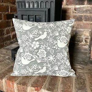 651. Handmade DOVE ON GREY 100% Cotton Cushion Cover.Various sizes