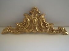 LARGE ORNATE CENTER PIECE DECORATIVE MOLDING / PEDIMENT ANTIQUE GOLD RESIN