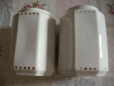 2 alte, antike Vorratsbehälter, Menagen aus Porzellan