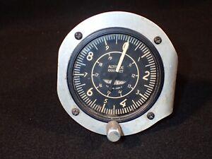 WW2 US AAF Army Air Force / NAF Navy Air Force Altimeter 'U.S. Gauge' Original