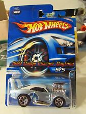 Hot Wheels 1969 Dodge Charger Daytona Mopar Madness #065