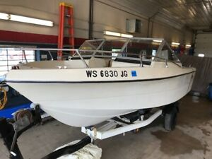 19' Cruiser 194 Enduro 140HP Mercruiser I/O w/ Miscellaneous Trailer  T1292741