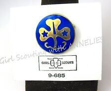 WAGGGS PIN on Card Girl Scouts Guides World Assoc. CHRISTMAS GIFT Multi=1 Ship