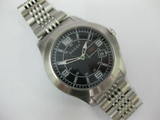 Gents Gucci Watch Stainless Steel Black Dial 126.3 Box & Paper Cal.F07.111 #844
