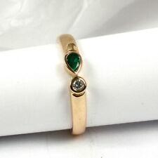 Klassischer Ring in 585 Gold mit Smaragd-Tropfen und Brillant 0,05 ct. w.si