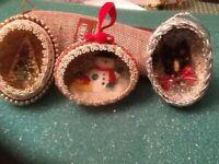 Vtg Christmas Egg Diorama Ornaments Lot Of 3 - Bottle Brush Tree/ Snowman Wreath